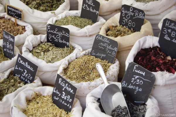 aliciasivert, alicia sivertsson, Le Nebourg, market day, marknad, marknadsdag, krydda, kryddor, spices