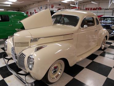 #16 Classic Cars Wallpaper
