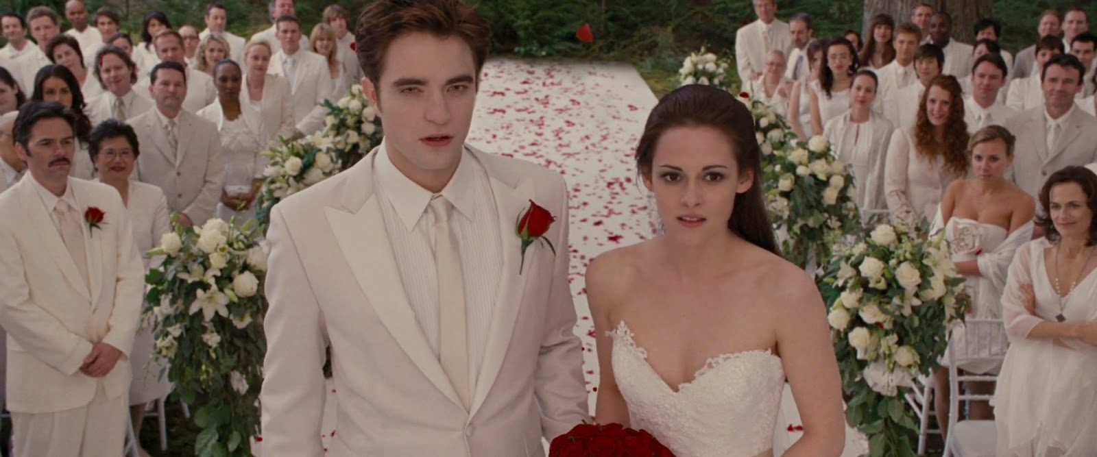 The Twilight Saga - Breaking Dawn Part 1 (2011) S2 s The Twilight Saga - Breaking Dawn Part 1 (2011)