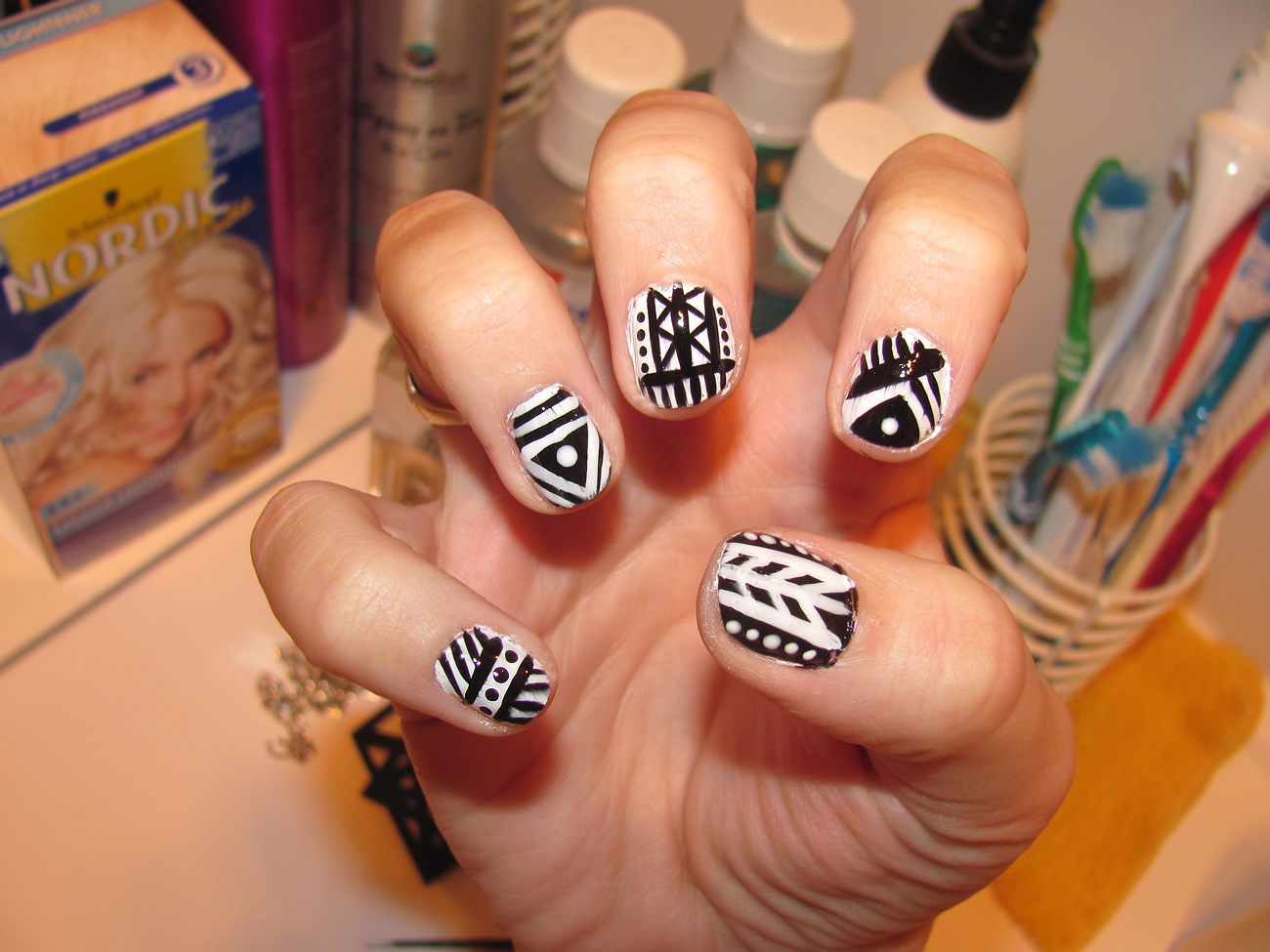 Tribal/Aztec nails - Tribal Nail Designs - Pccala