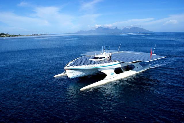 barco impulsado por energia solar