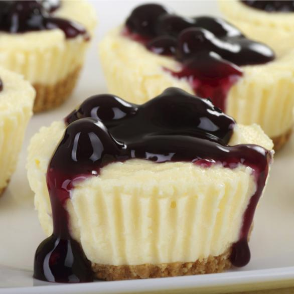 Mini Blueberry-Lemon Cheesecakes | Showbiz Intriga
