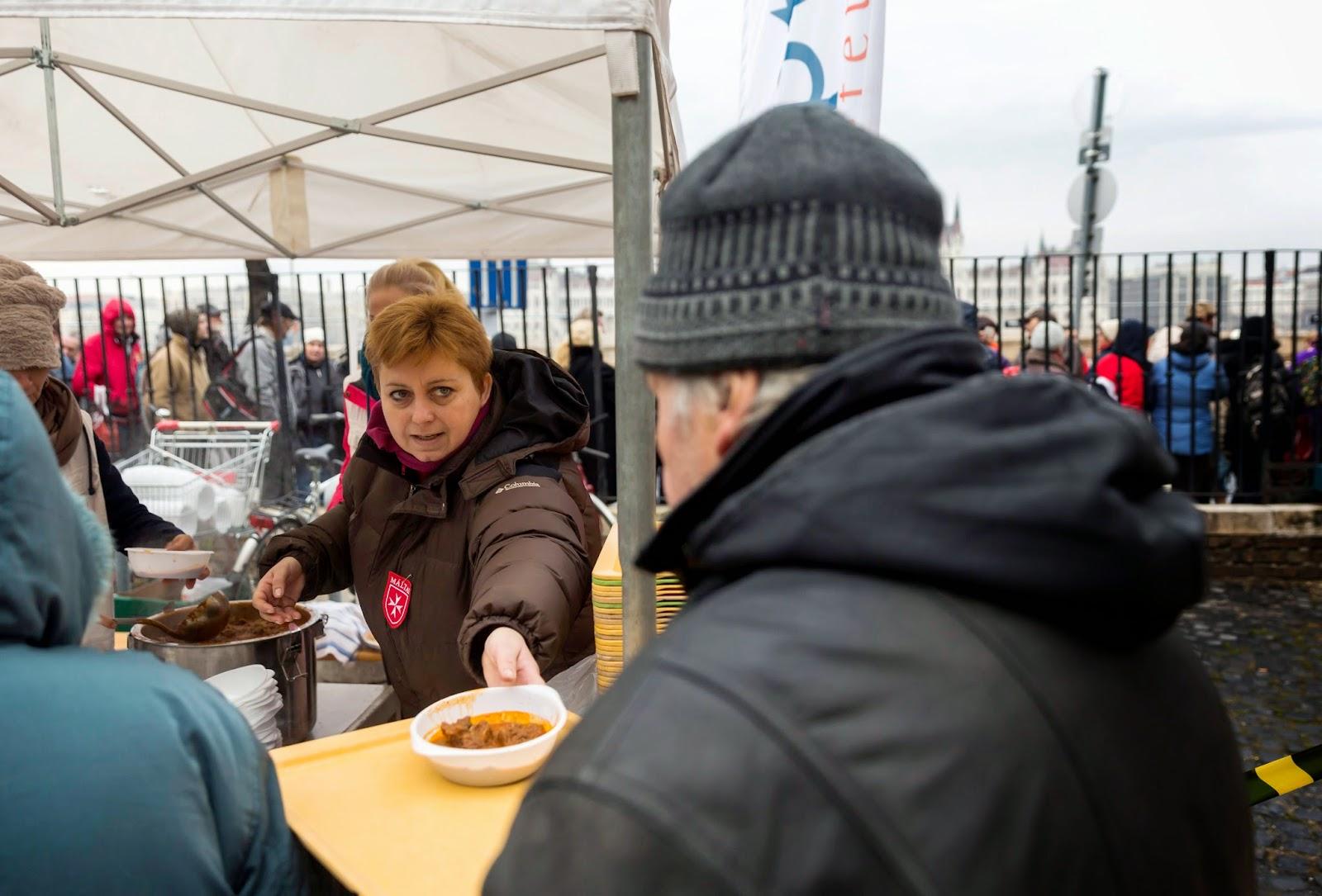 Magyarország, Budapest, hajléktalan, Magyar Máltai Szeretetszolgálat, Baptista Szeretetszolgálat, jótékonyság,
