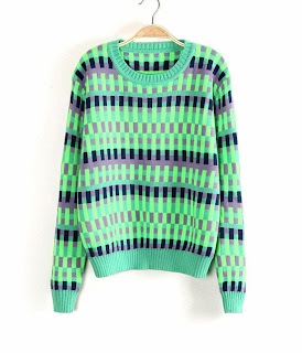 http://www.aupie.com/womens-green-color-block-jacquard-round-neck-thickening-long-sleeve-pullover-sweater.html