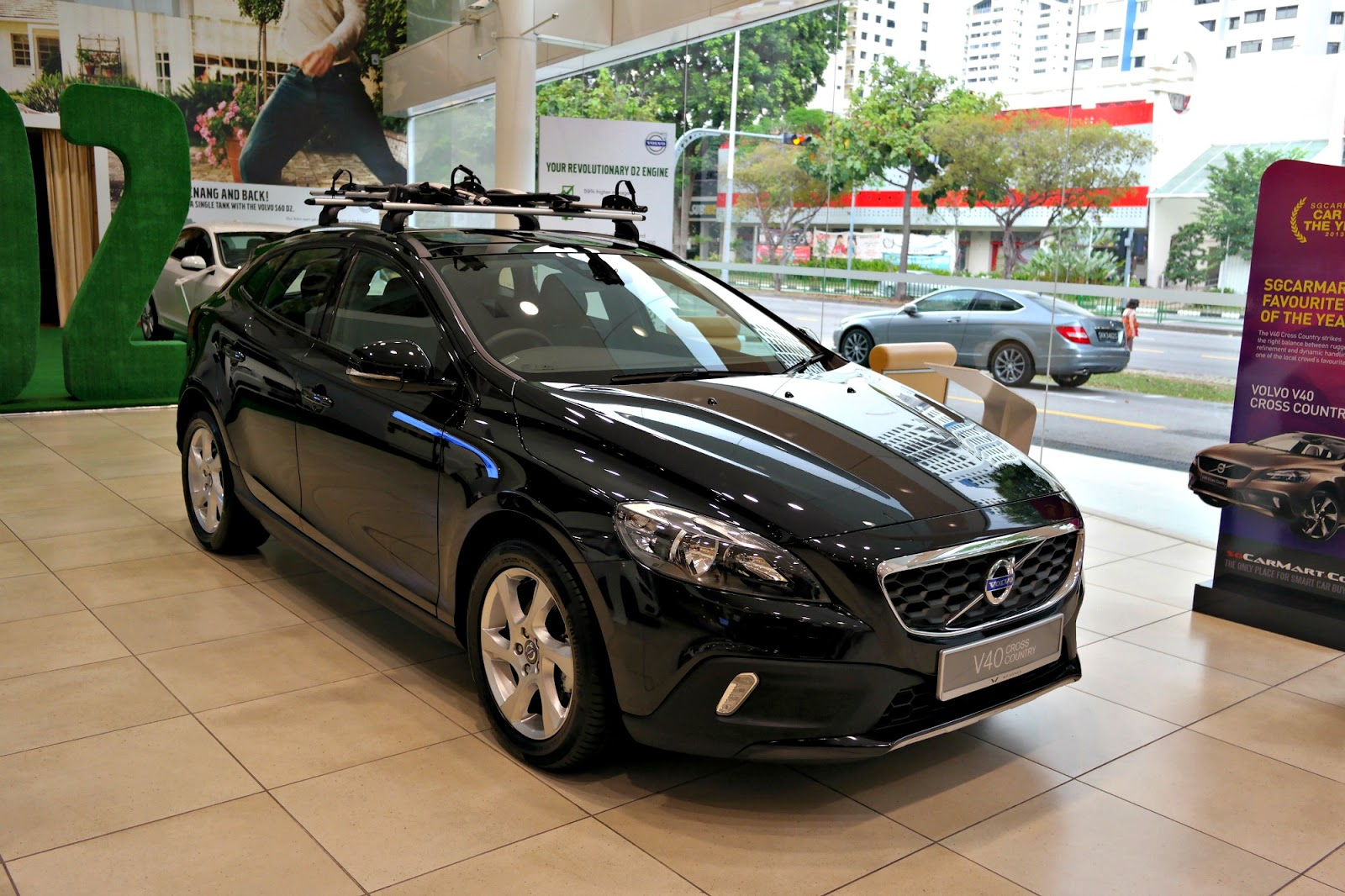 A Thing (or Two) About Holly Jean: Volvo V40 Cross Country. So in Love!