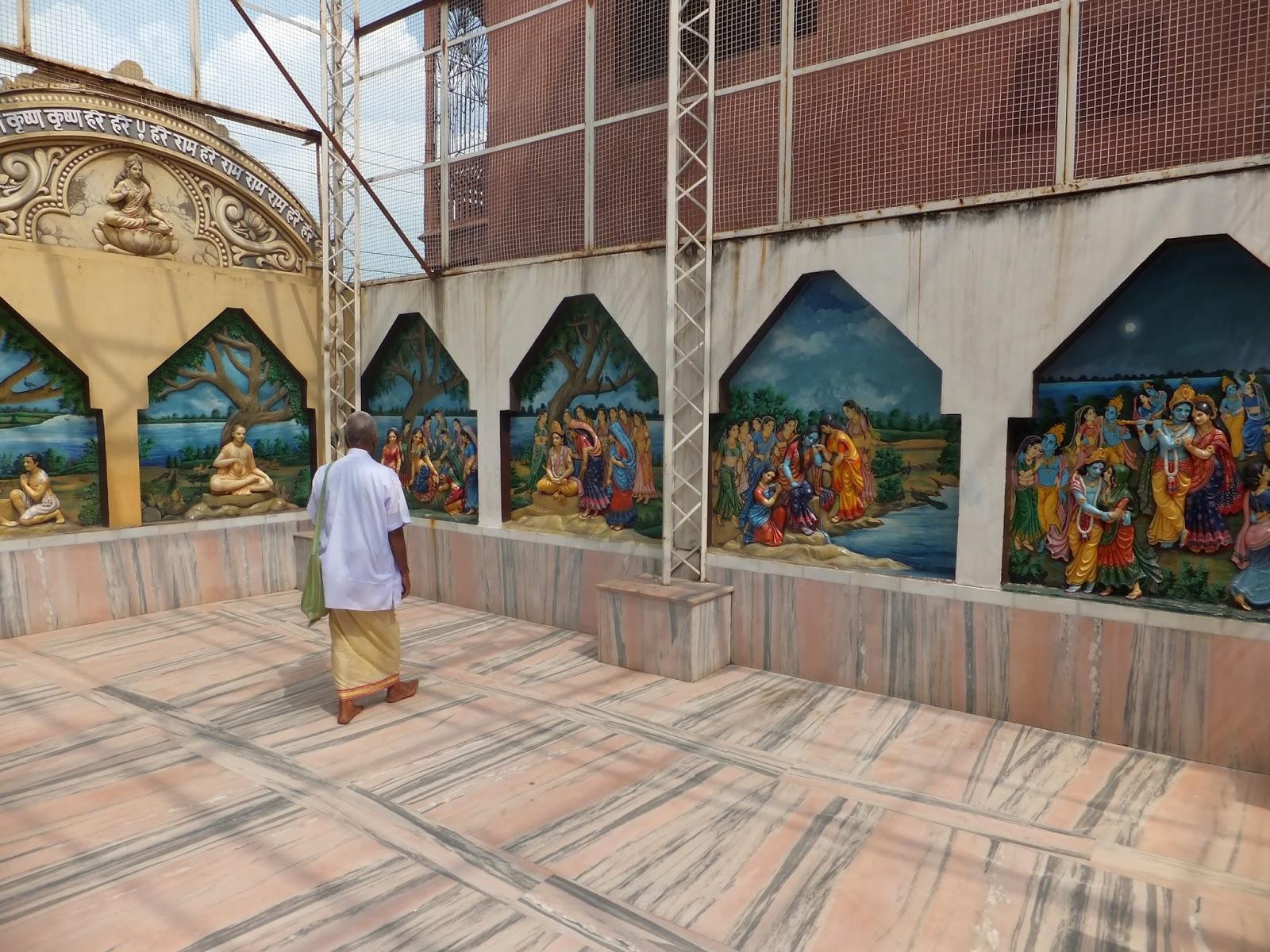 настенные изображения в храме Вриндавана