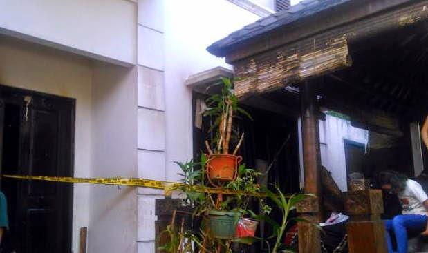 Foto Kondisi Rumah UJE yang terbakar