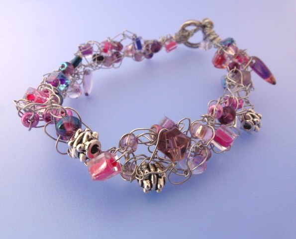 these wire crochet and bead bracelets are easy to make