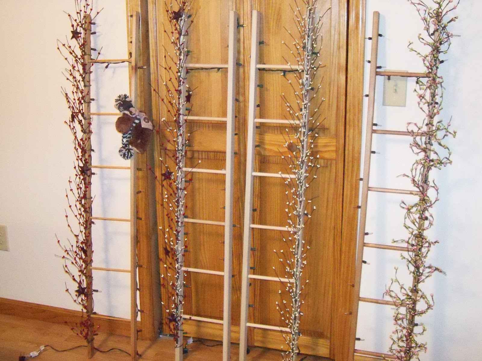 Rustic Crafts and Creations: Decorative Prim Ladders
