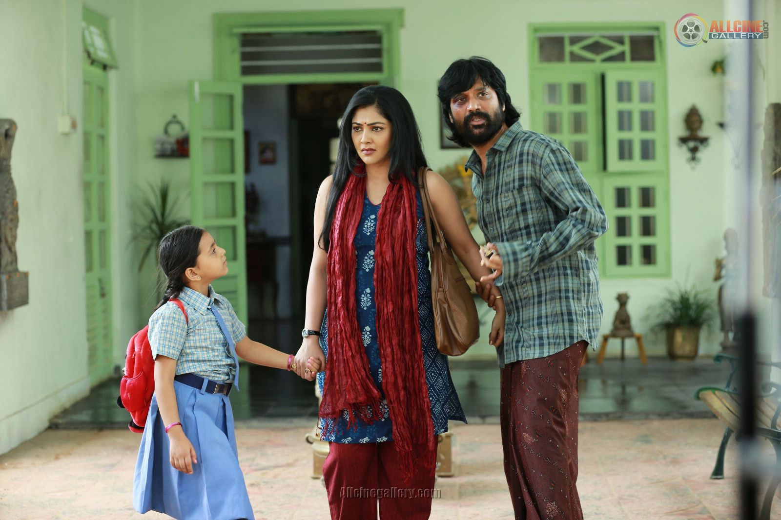 Treading the unbeaten track iraivi perfecting the art of sj surya definitely deserves a word of appreciation i have always steered clear of his directorial ventures and his epic acting attempts thecheapjerseys Images