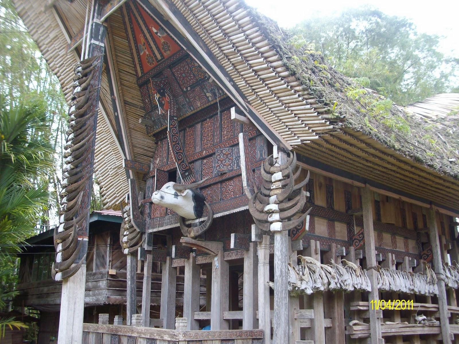 Download this Berwisata Tana Toraja Bagian Rumah Tongkonan Kete Kesu picture