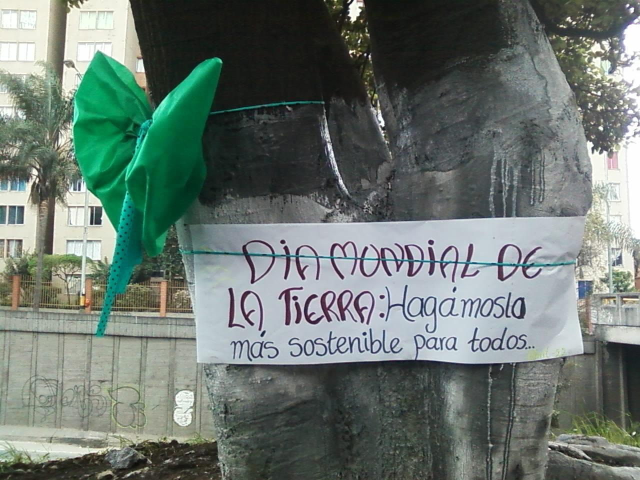Baños Inodoros Medellin: Ferriere Medellin: Limpieza de el Árbol Frente a la Casa Sede Medelin
