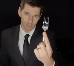 etika makan internasional