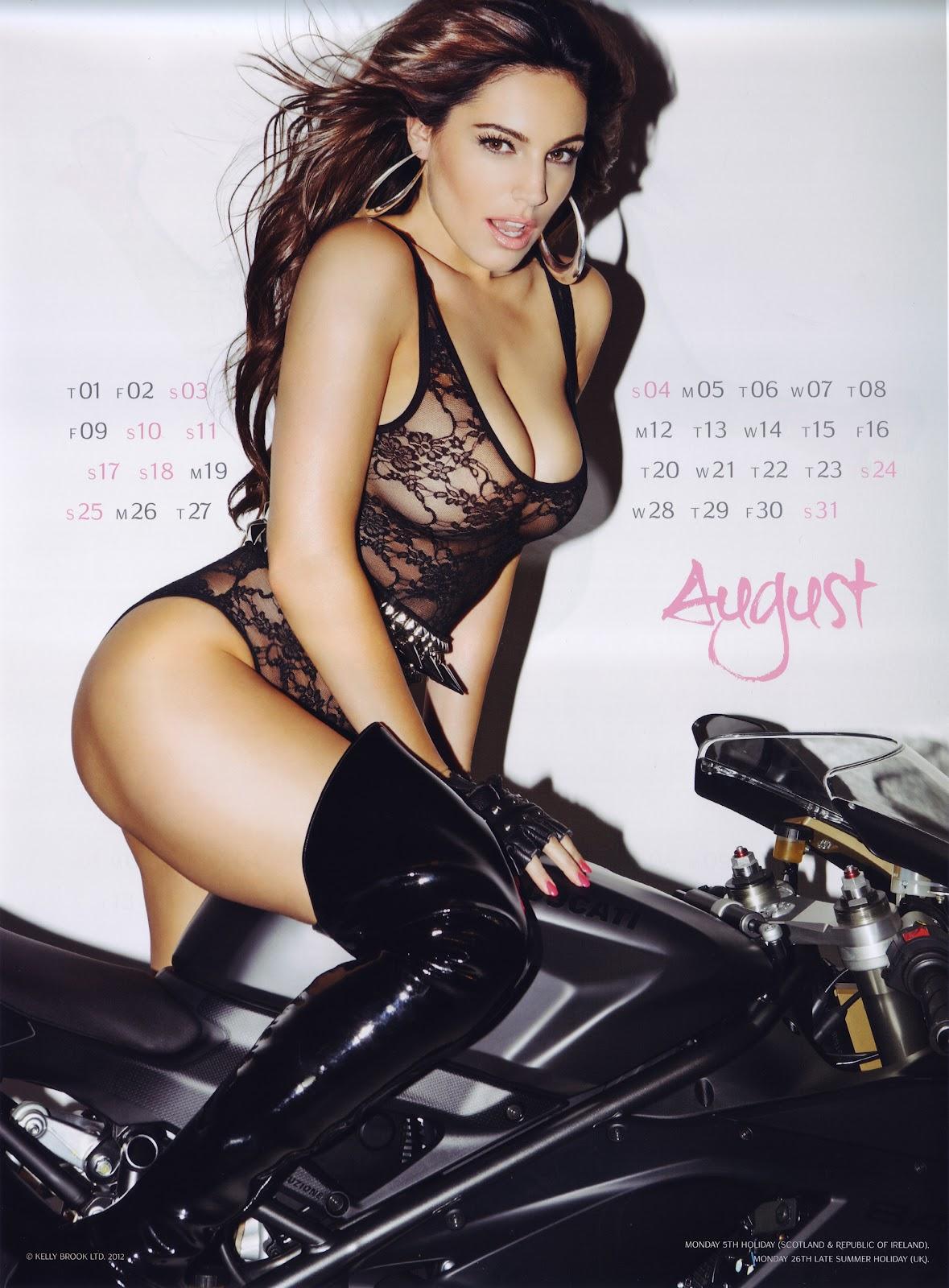 http://4.bp.blogspot.com/-42uZmigq9rM/UF0WX0XSxyI/AAAAAAAAOWA/tVxtUL4ih98/s1600/Kelly+Brook+Official+2013+Calendar++-09.jpg