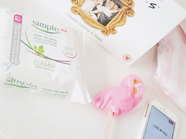 Beauty, reasons why I love face wipes, cosmetics, skincare, simple skincare, Simple Micellar Wipes, Face Wipes, Spot prone skin,