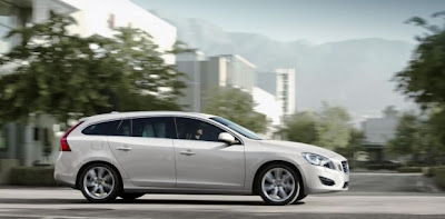 2011-Volvo-V60-Executive-Car-Side