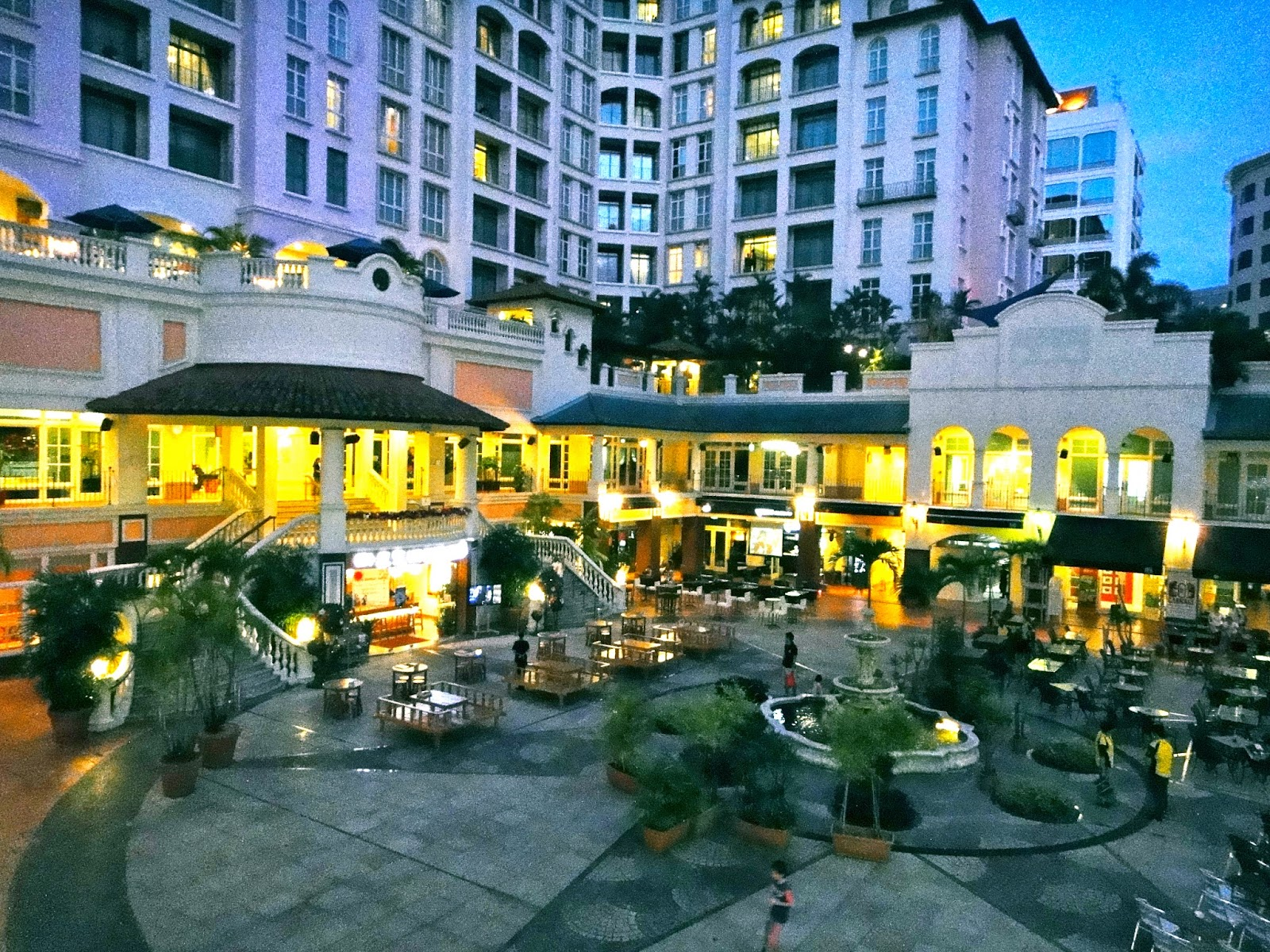 Robertson Quay dining area Singapore