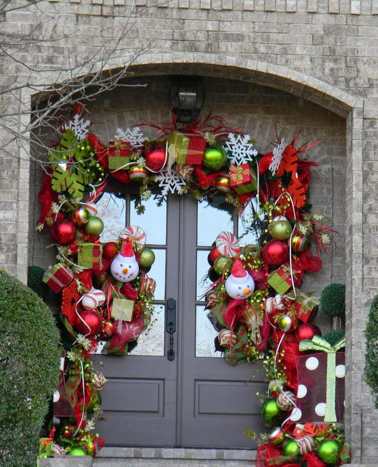 Christmas ideas 2013 christmas front door entry and porch for Door decorations for christmas