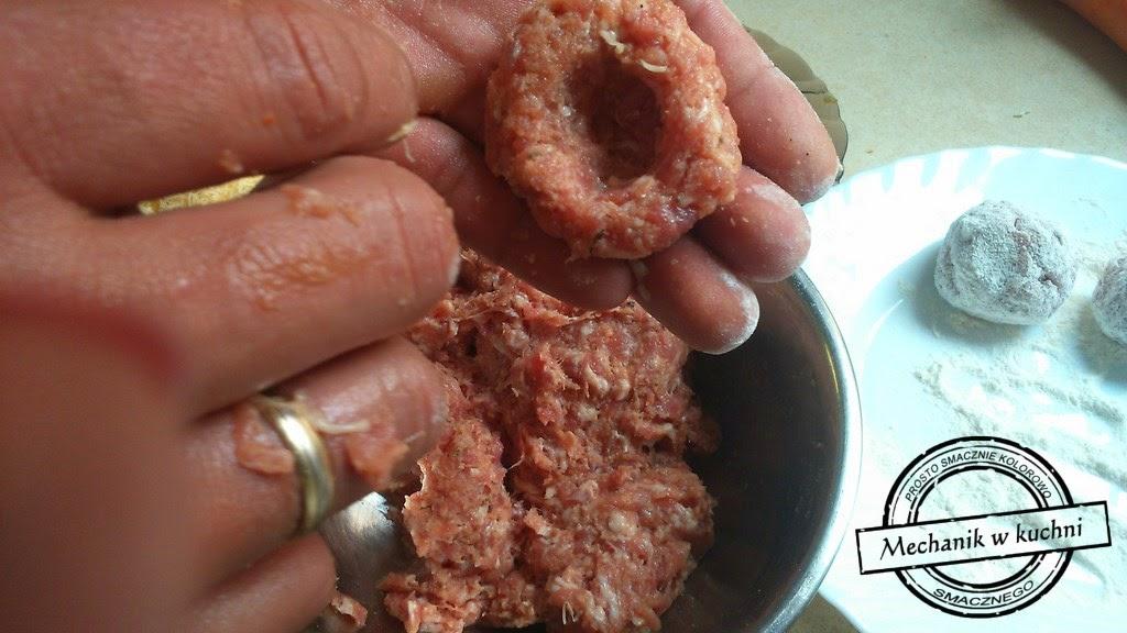 Mielone kuleczki z ogórkiem i serem mechanik w kuchni