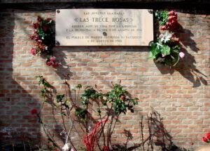 Tumba de Las 13 rosas rojas