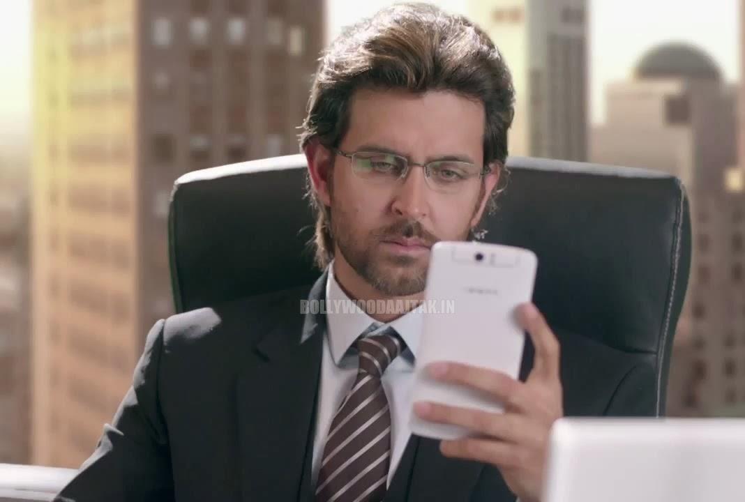 http://4.bp.blogspot.com/-43udWrNjXYk/UuqmAND5jaI/AAAAAAAAjBY/MubWVe1nQ6Q/s1600/Sonam+Kapoor+&+Hrithik+Roshan+Oppo+Mobile+Add+Photoshoot+(1).jpg