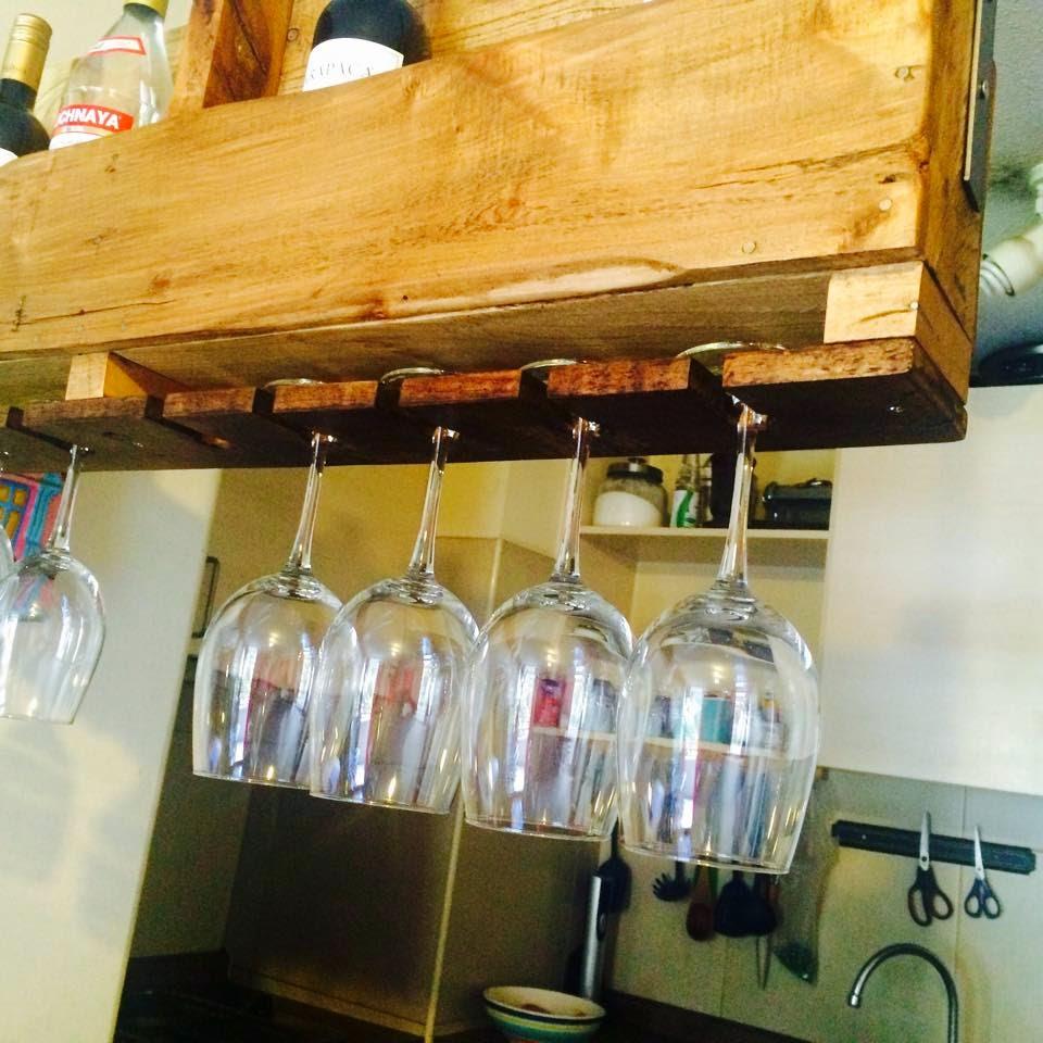Un fant stico mueble para vuestra cocina muy pr ctico y - Muebles para poner botellas de vino ...