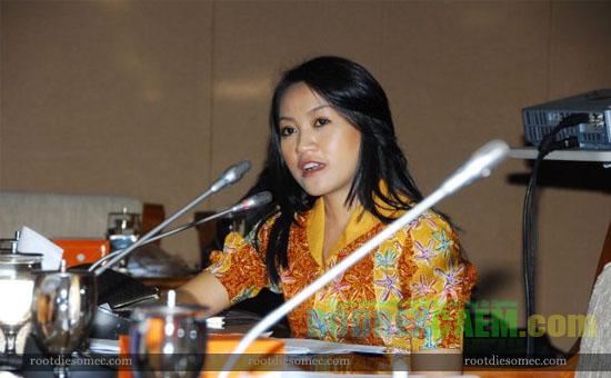 Foto Foto HOT Anggota DPR Karolin Margret Natasa - S I M