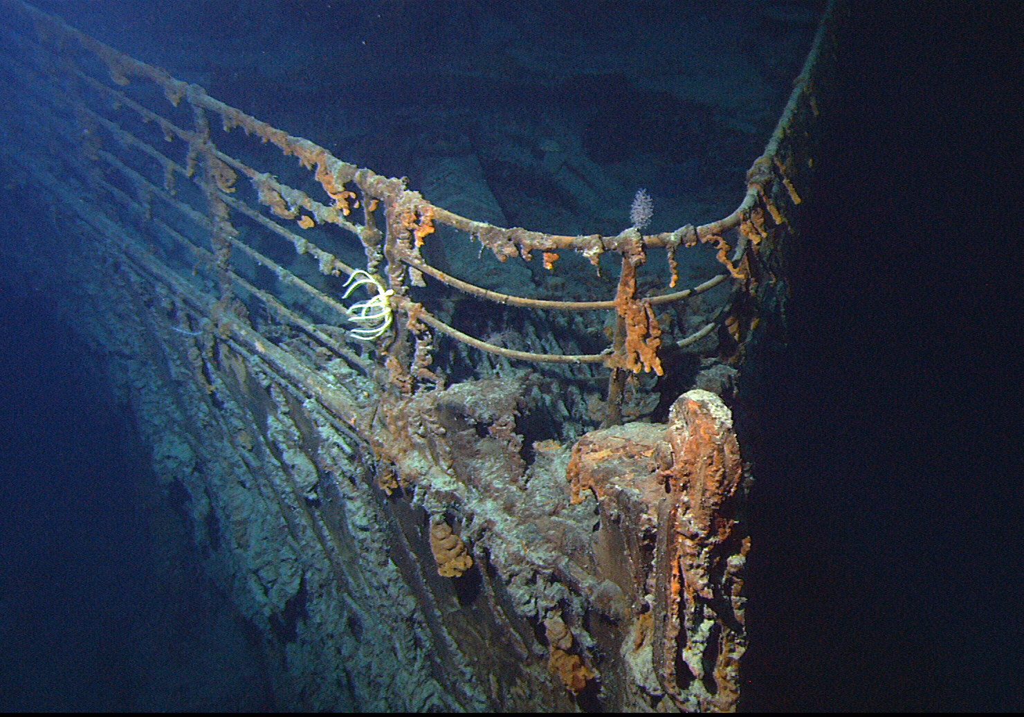 titanic ship underwater - photo #8