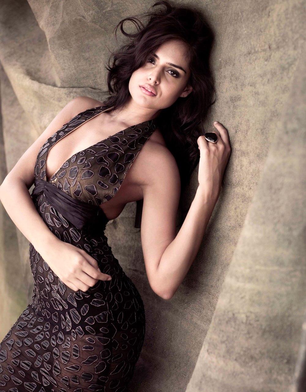 Nathalia Hot