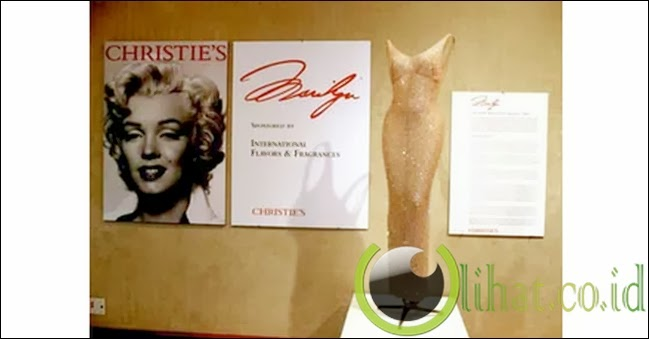"Gaun ""Ulang Tahun"" Marilyn Monroe"
