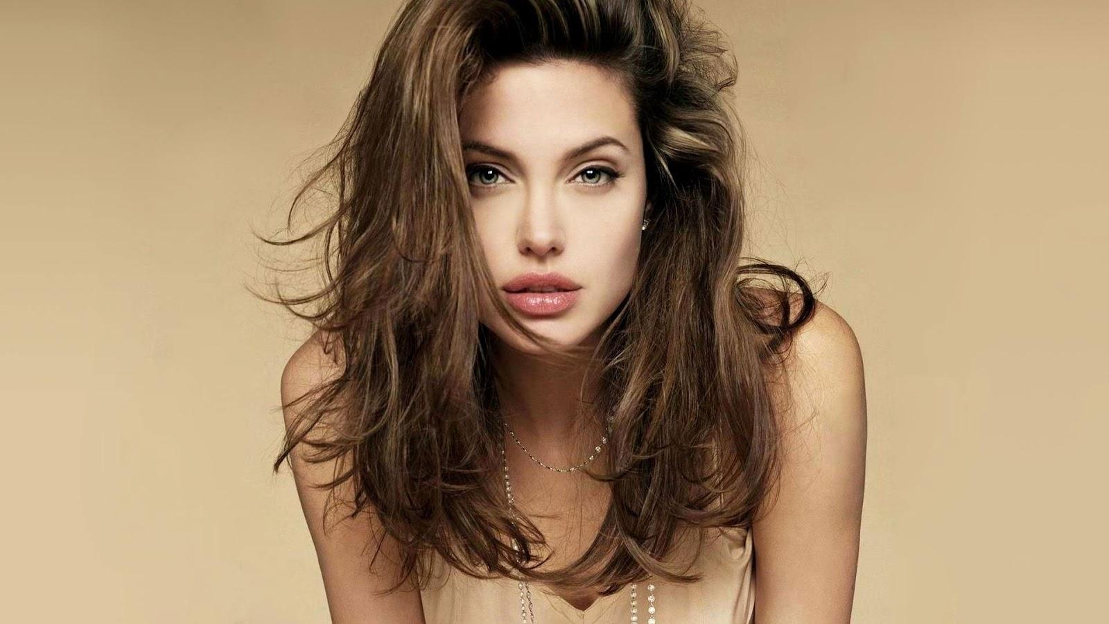 Angelina Jolie High Resolution