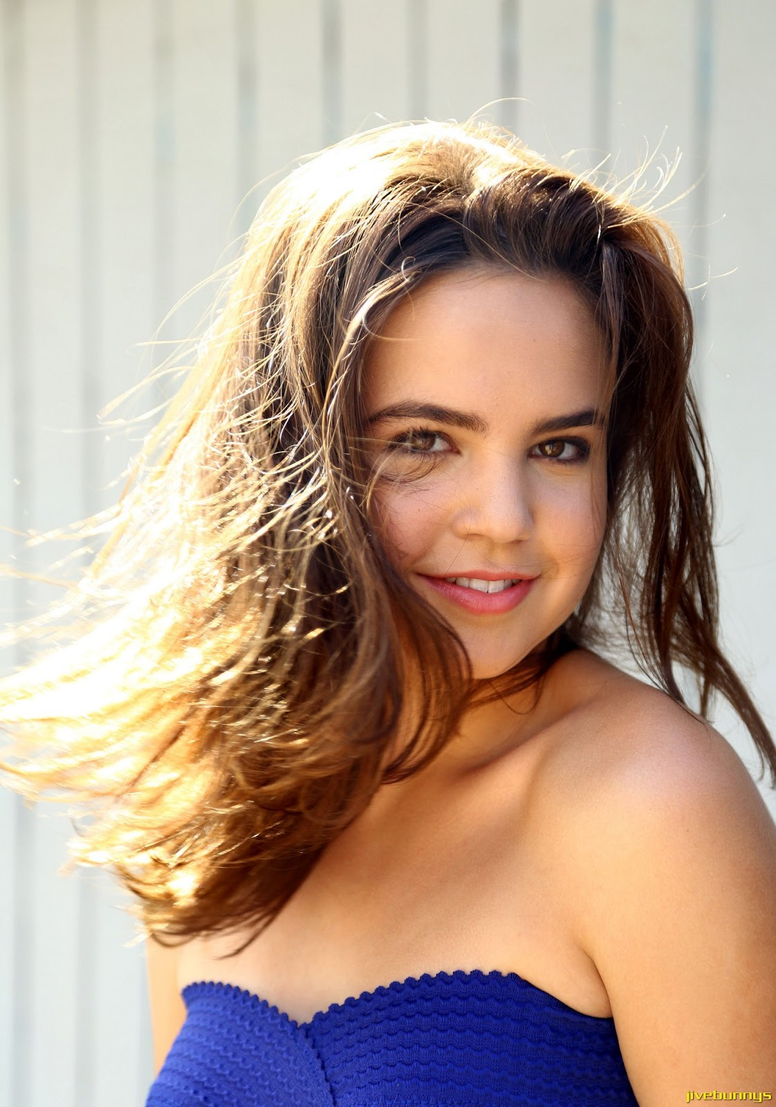 Kleofia pink lace - Celeb Update Bailee Madison Photos Pictures Image Gallery 3