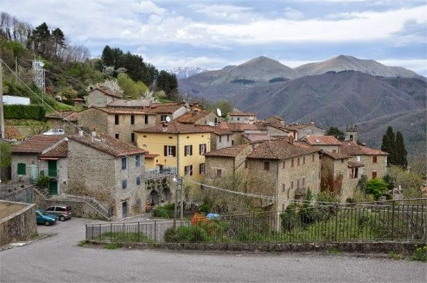 lampadari lucca : ... info/it/argomento/Paesi-di-Bagni-di-Lucca/Pieve-di-Monti-di-Villa.html