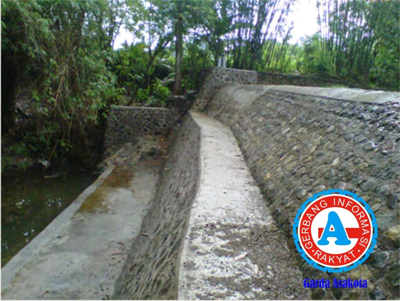 Pekerjaan Proyek Rehabilitasi DAM di Desa Rade Madapangga Disorot Warga