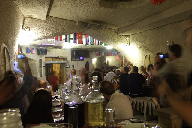 ''Turkish Night'' en el restaurante Yaşar Baba de Uçhisar
