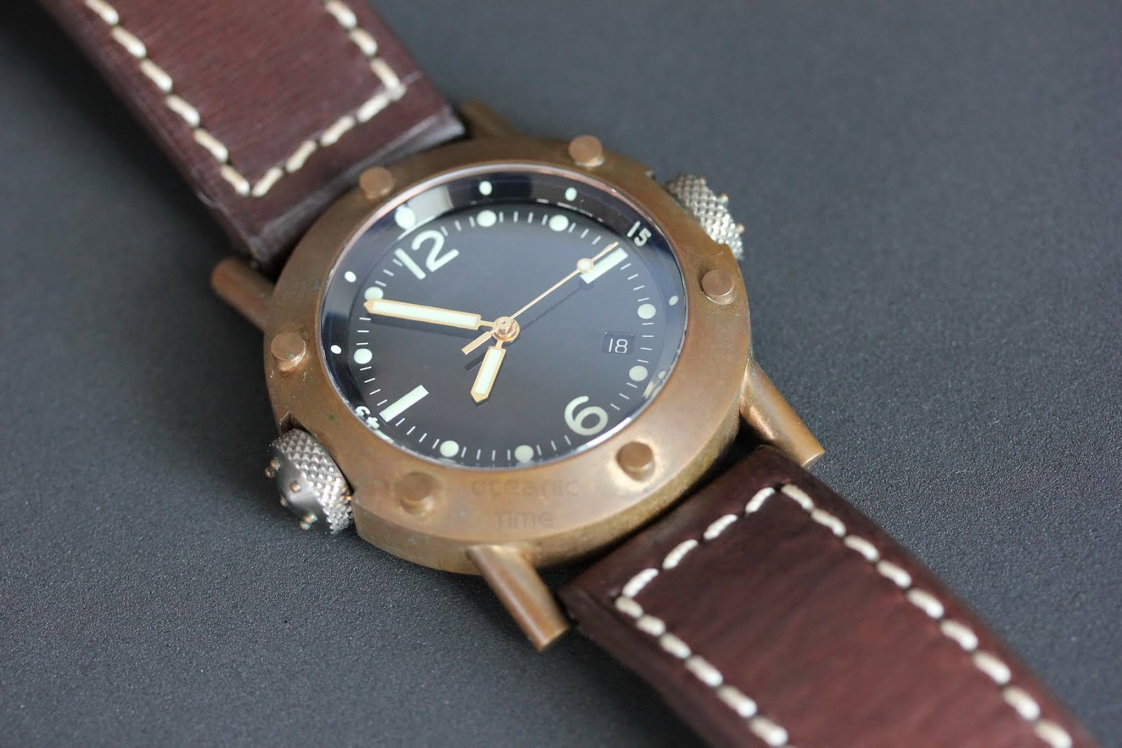 Oceanictime helson bronze internalbezel - Bronze dive watch ...