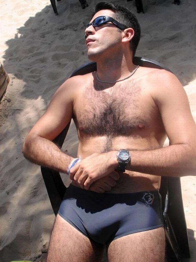 Cuecas e sungas recheadas