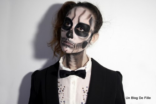 http://unblogdefille.blogspot.fr/2013/10/halloween-makeup-skeleton-born-this-way.html