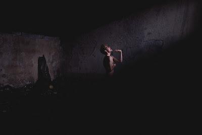 Orang Buta, Pekak, Bisu Dan Teraba Dalam Kegelapan