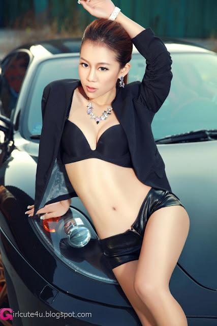 Foto gambar cewek mobil telanjang seksi cantik lengkap terbaru.