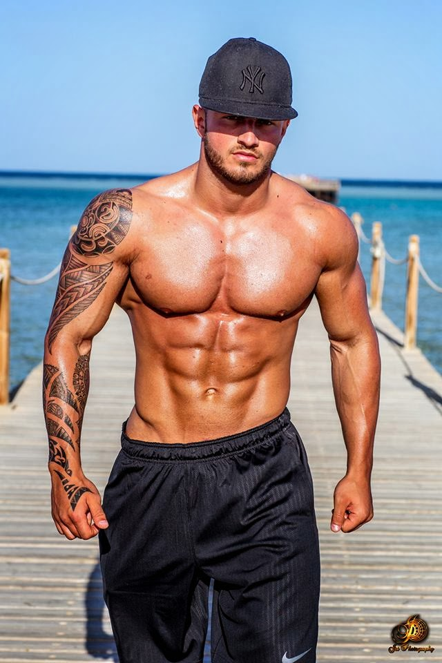 marchand latin singles Find your latin beauty at the largest latin dating site chat with over 3 million  members join free today.