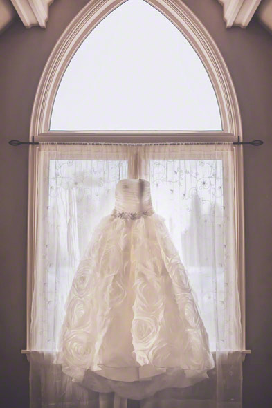 dress at a Victorian house before a wedding in savannah, ga, destination savannah wedding