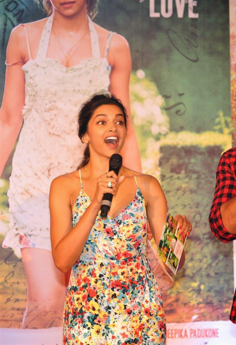 Deepika Padukone Showcasing Her Long Sey Legs At Film Finding Fanny