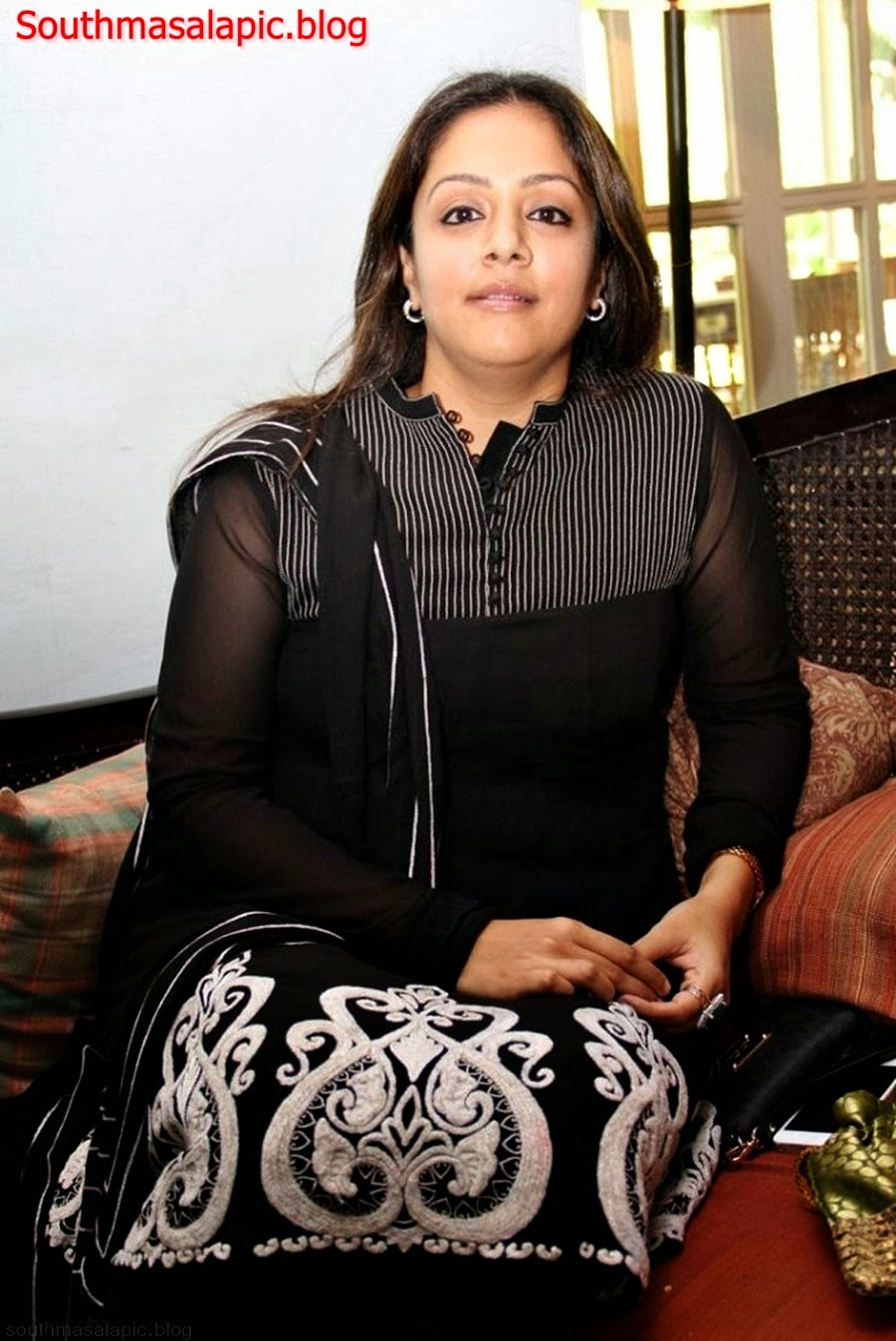 Tamil Actress Jyothika Hot Milf recent Photos showing sexy figure and