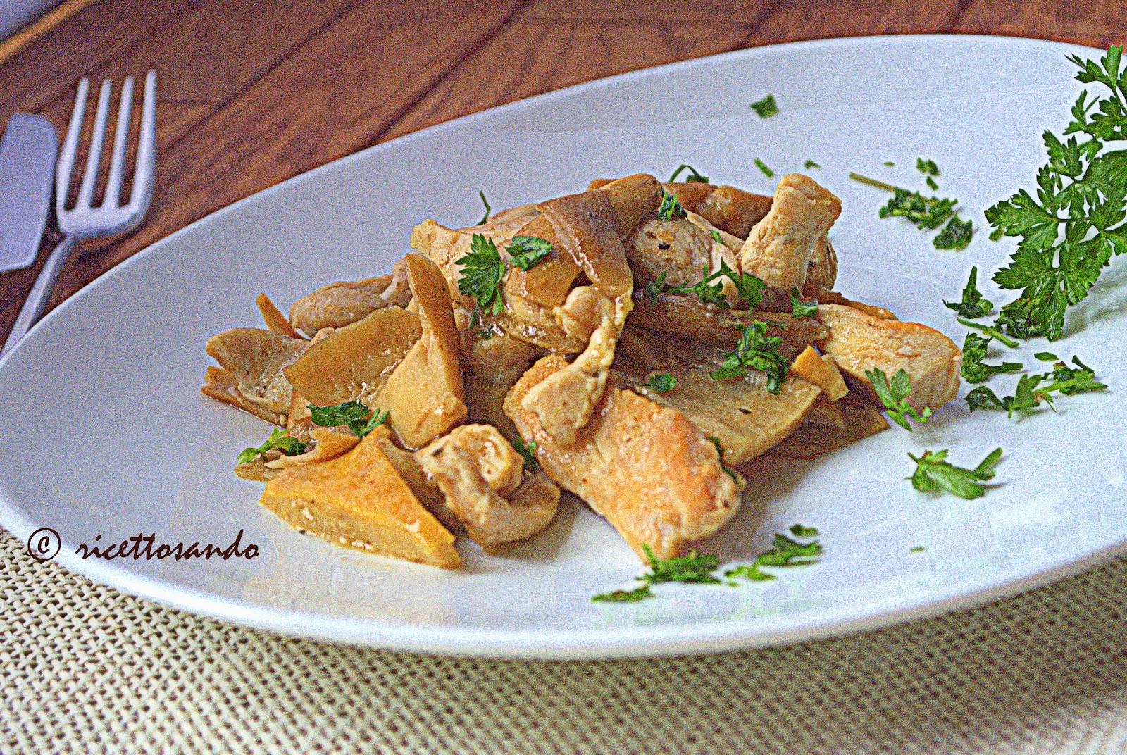 Straccetti di pollo con funghi ricetta secondi con carne bianca e funghi