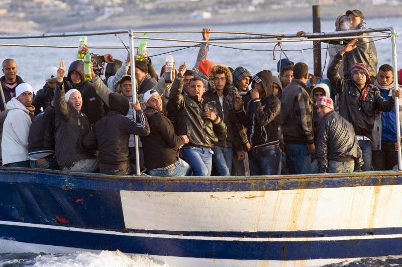 Lampedusa, soccorso barcone con 233 migranti$