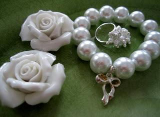 Utlottning av Mauds fina smycken