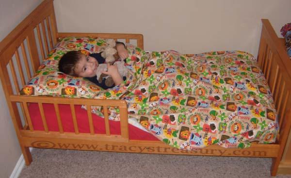 Toddler Bed Flat Sheet Tutorial