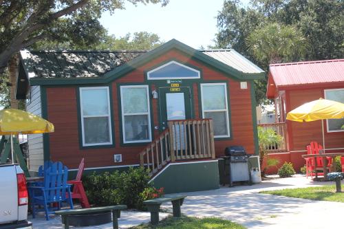 Cabins @ Lake Okeechobee KOA