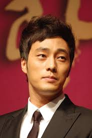 What is the height of So Ji-sub?